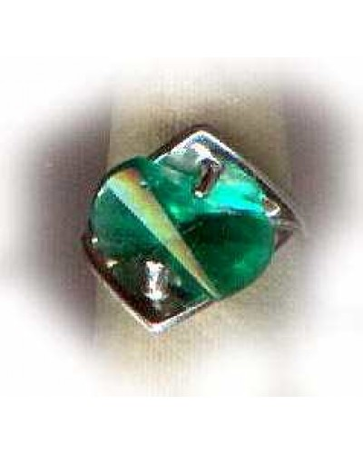 Irregular Shaped Green   10 KT.